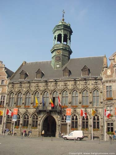 Town hall MONS picture