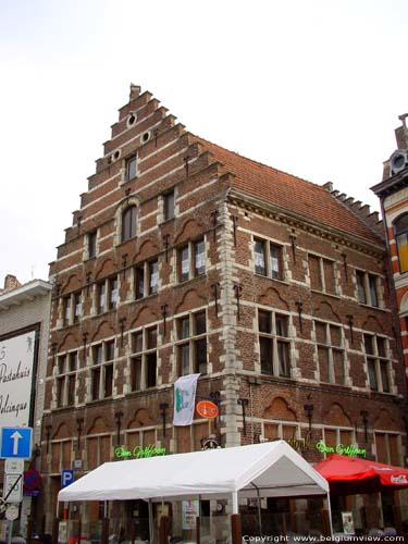 Cornerhouse with stepped gable TIENEN picture