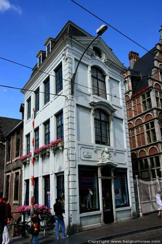 Corner house GHENT picture